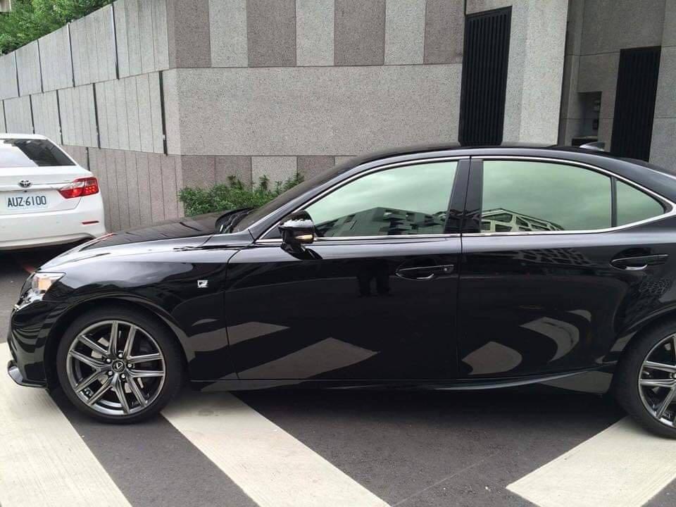 2016年Lexus is200t,一手車、無事故泡水、跑不到6000公里