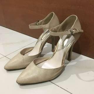Preloved Marie Claire Heels