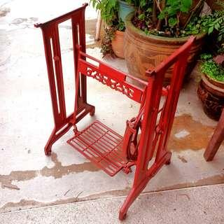 Vintage Cast-iron Sewing machine leg in Red Colour. Great as table-leg. Good condition. $60, WhatsApp 96337309.