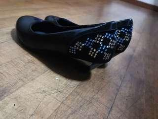 🚚 Formal black shoes