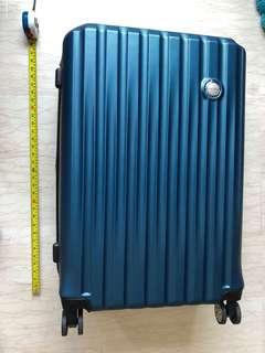 """30"""" New Yorker brand new Luggage (expandable)"""