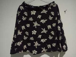 Black FloweR Skirts by Colorbox