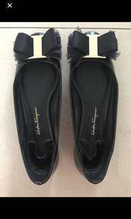 🚚 Salvatore Ferragamo Marlia Flats 6.5D black patent leather