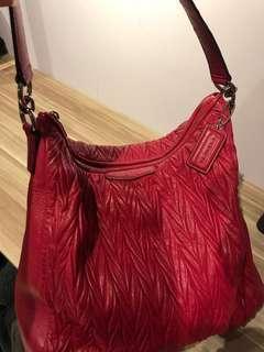 🚚 Coach red handbag Miu Miu lookalike