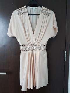 🚚 Beautiful champagne dress