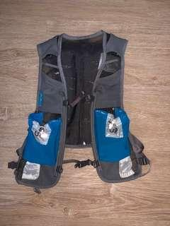 🚚 Running Vest (Ultimate Direction Anton Krupicka Race Vest 2.0)