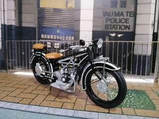 Minichamps - Scale 1/18 - BMW R32 Motorcycle 2-Seater, 1923