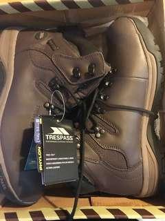 🚚 Trespass hiking boots hillden Unisex