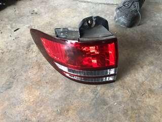 Japan Used Toyota Estima ACR30 Pre Facelift Tail Light