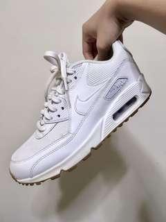 🚚 近新Nike運動焦糖底小白鞋