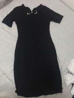 🚚 Black body-con dress