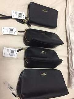 🚚 Coach wallet