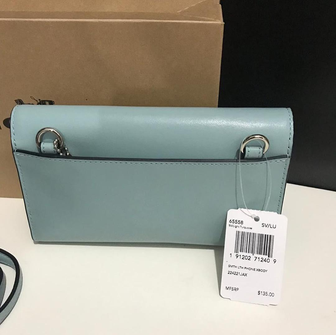 Coach Smooth Leather Phone Wallet Crossbody sz 18x11 in Light Turquoise with box (bisa dipakai crossbody, bisa jadi wallet biasa, very convenient 👍🏻)