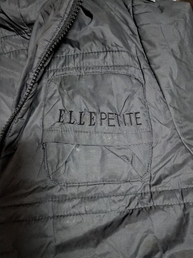 ELLE-150cm/72男生帶帽鋪棉外套、略有瑕疵(背面有3.5cm破裂)廉售