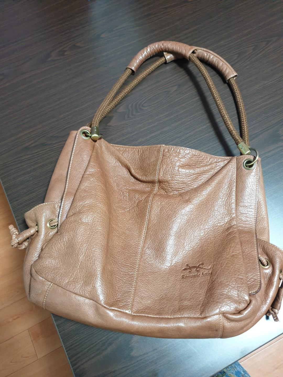Genuine leather handbag. Brown.
