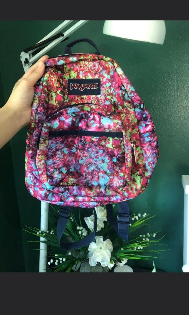 Jansport Pint Size, Women's Fashion, Bags & Wallets on Carousell