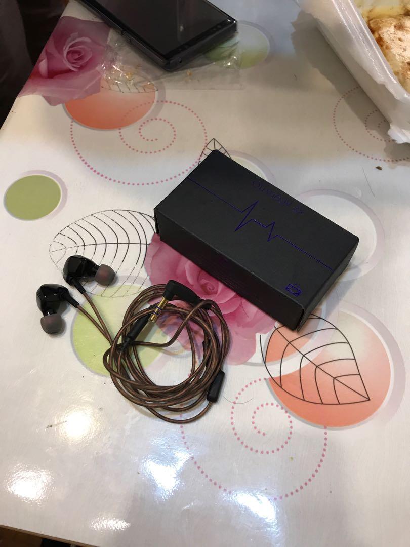 kz 耳機  動圈  全新  黑色  運動耳機  無咪高峰