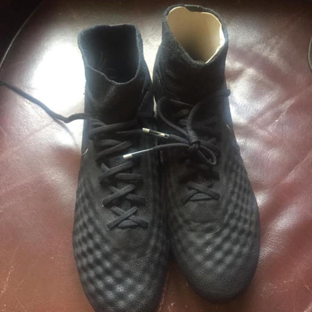 Nike Black Magista