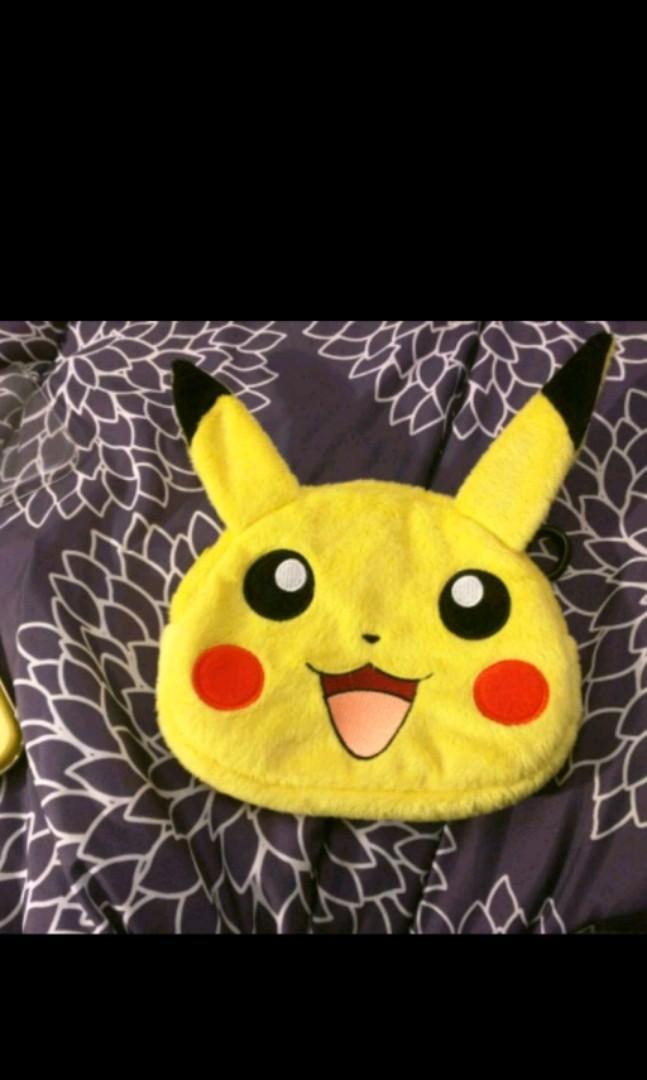 Pukachu 3DS XL With Clear Protecive Case & Pikachu Carrying Case
