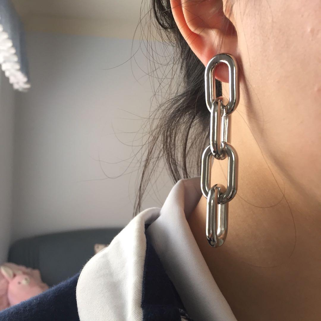 THICK SILVER CHAIN EARRINGS