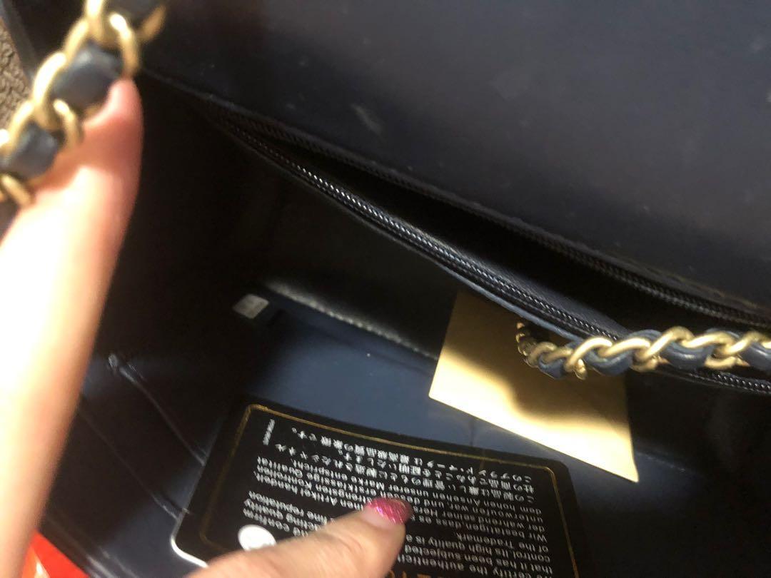 Women's handbag purse bag clutch tote flap quilted gold hardware cc logo designer chevron navy blue