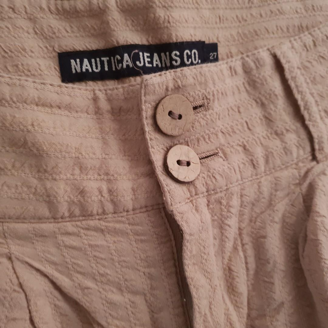 Women's size 27 =8 'NAUTICA' Gorgeous casual tan shorts - AS NEW