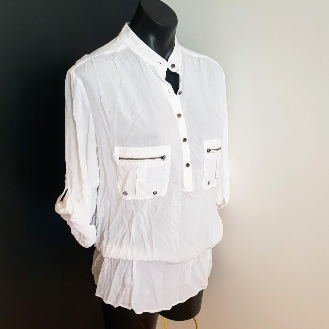 Women's size 8 'MARCS' Gorgeous white soft blouse with pockets - AS NEW