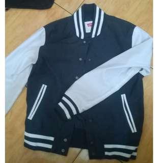 Jaket Varsity (Varsity Jacket) Levis warna Navy