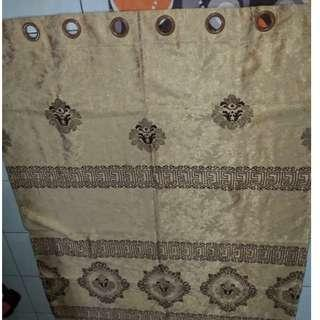 Heavy material  2curtains full walls  size (RM60)