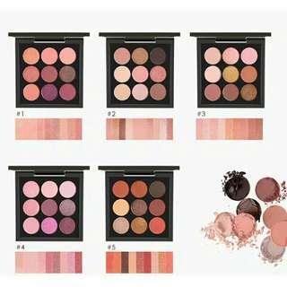 Eyeshadow 9 warna.. Ini best seller lho..