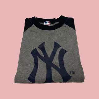 the best attitude dc0c8 cd71c Vintage New York Yankees Long Sleeve Tee