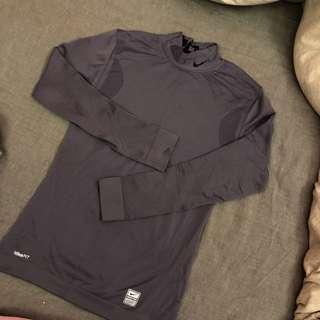 🚚 Nike fit系列上衣