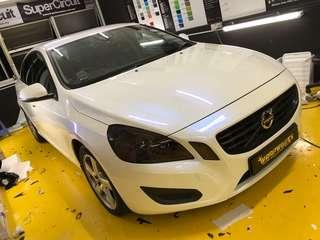 Volvo full wrapped with Glossy pearl white blue!