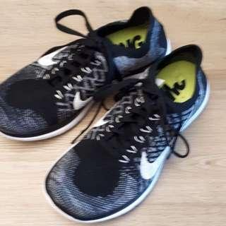 Nike women running shoe
