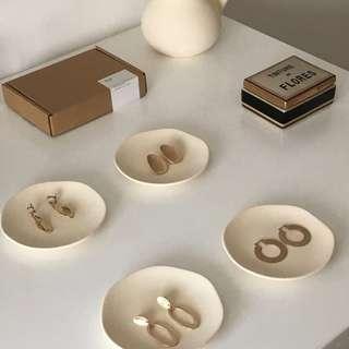 🚚 Ceramic Dish