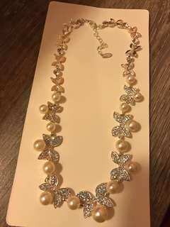蝴蝶珍珠項鍊連夾款耳環