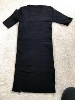 Elastic black short sleeves dress