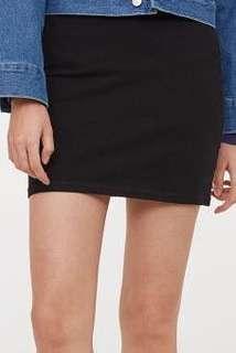 #jumat80 H&M - Black Skirt