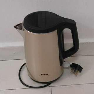 TEFAL SAFE TO TOUCH 1.5L KETTLE KO371I