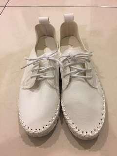 韓 小白鞋