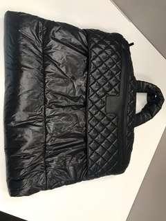 絶版,RARE 100% New & Authentic  CO CO CHANEL garment / suit travel bag ( fully refund if not authentic)