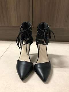 Novo Pointed Black Heels