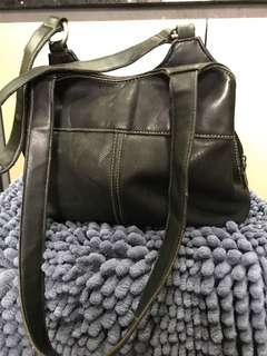 Fully leather g.h bass & co. American heritage handbag
