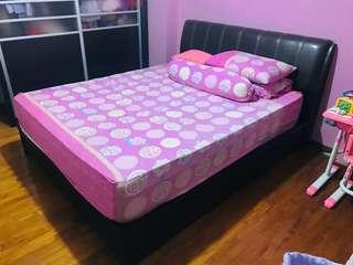 🚚 Good for rental home: Queen size bed frame and mattress