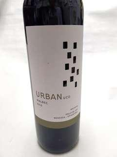 Guarranteed brand new sealed bottle, Malbec 2013, 750ml, URBAN UCO Product of Argentina, Red Wine ( Only 1 bottle) New bottle, not old bottle, Good for drinking, Dinner celebration, hamper, gift, selling cheap