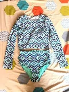 Aztec crop rash guard