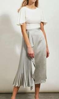 🚚 Collatethelabel side pleat skirt