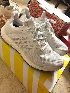 5e7a24995702c Adidas ultra boost ST 白色狀況極好