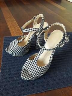 Preloved Checkered Heels