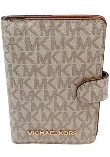 Micheal kors passport case Original💯 Sale